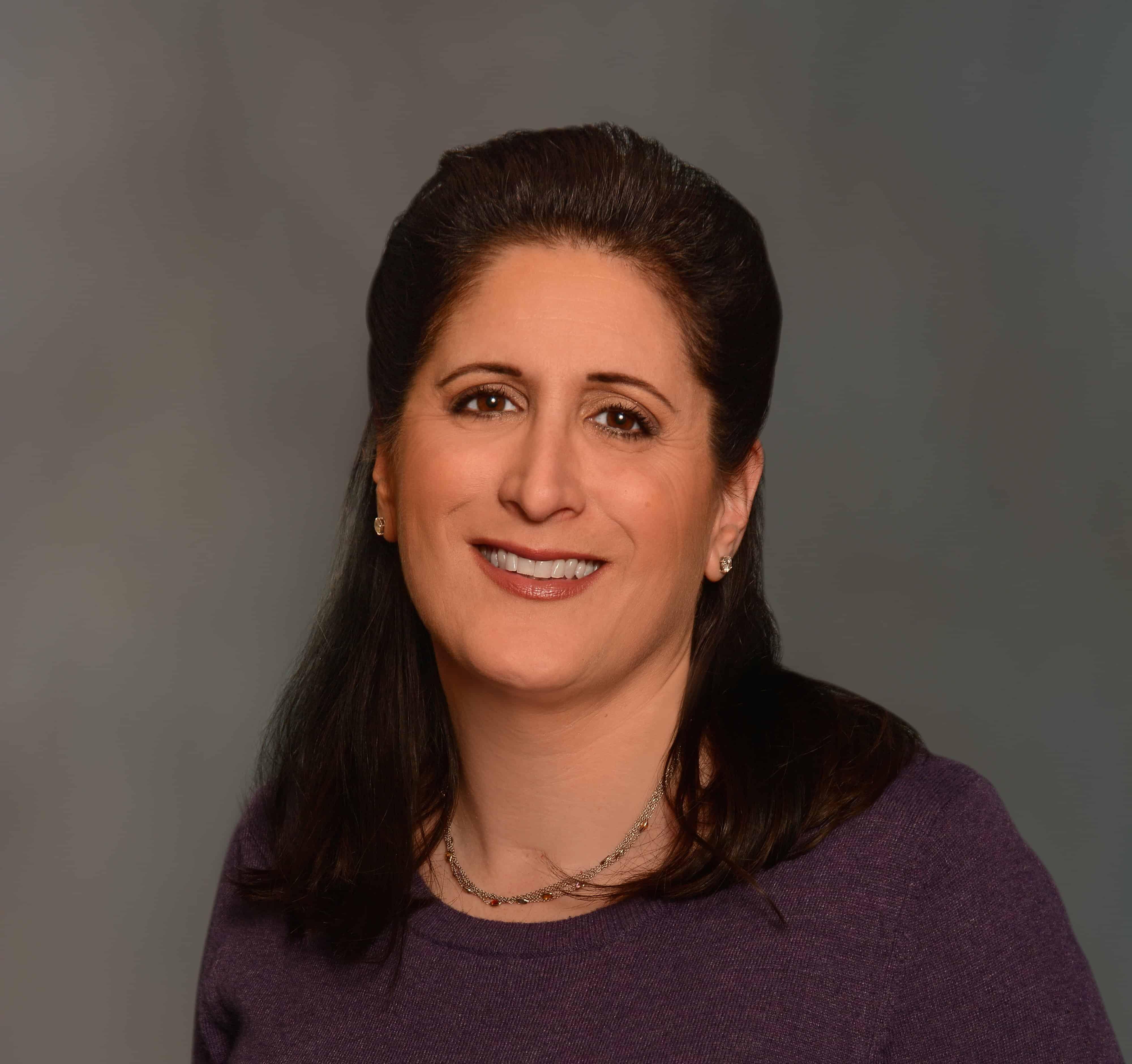 Suzie Wynne headshot - Magellan College Counseling