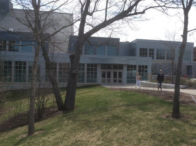 UNH Holloway Commons