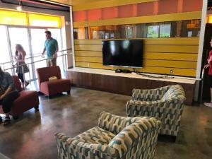 Eckerd-College-Dorm-TV-Room