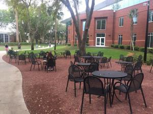 Stetson-University-outside-dining-hall-1