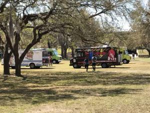 U-of-South-Florida-Food-Trucks-lunch