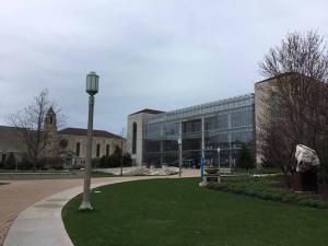 Loyola-University-Chicago-visit-2019 (19)