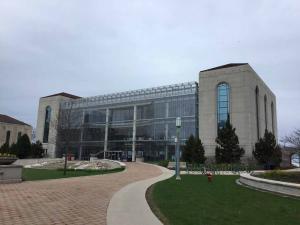 Loyola-University-Chicago-visit-2019 (21)