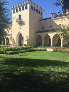 Rollins-College-Olin-library