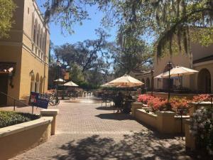 Rollins-College-campus-center-exterior